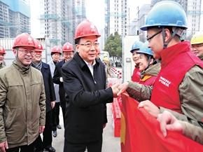 李小敏检查春节安全稳定工作,慰问一线职工