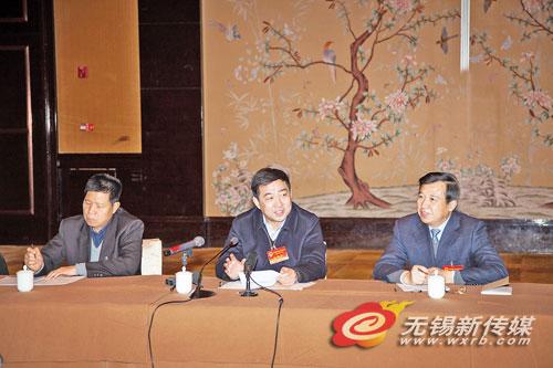 汪泉参加宜兴代表团分组审议